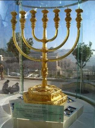 Third-Temple-Menorah